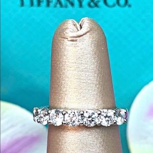 Tiffany & Co platinum embrace ring seven Diamond